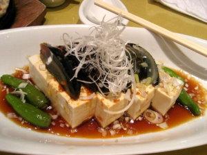 外ごはん♡ピータン豆腐