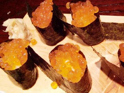 お魚いっぱい料理★「廣正」<いくらのお寿司>